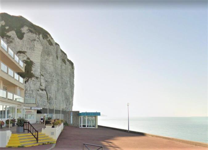 Le corps a été découvert au pied de cette falaise près du Bar O Mètre - Illustration