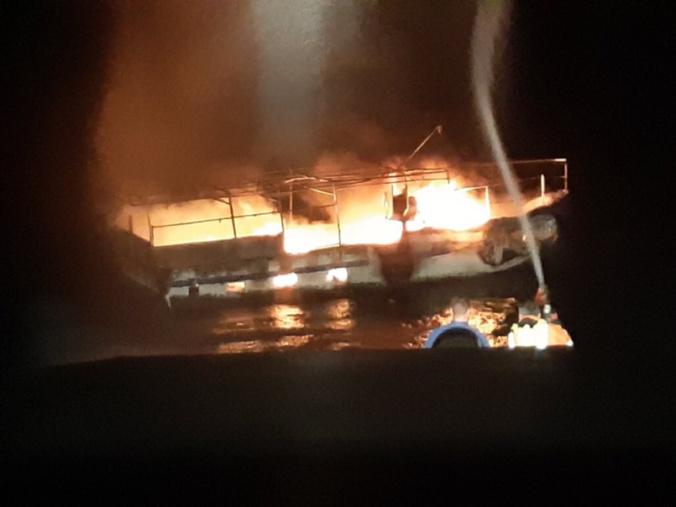 Victime d'un incendie à bord, le bateau a coulé - Photo @ Premar