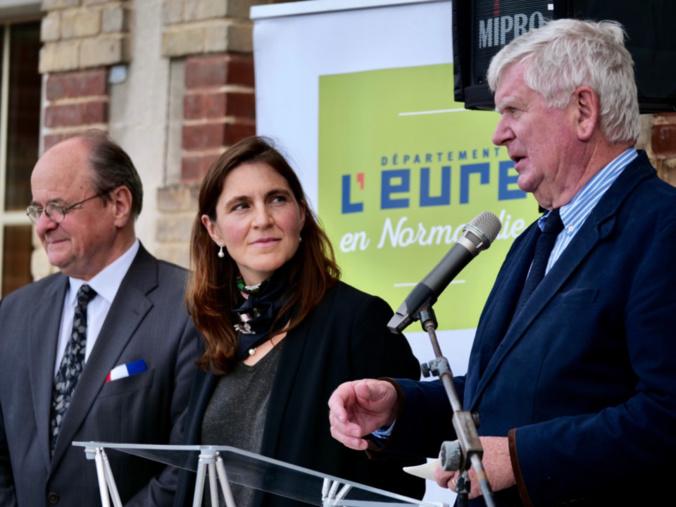 Inauguration en présence d'Alain Loêb, maire de la commune, Virginie Séné-Rouquier, sous-préfète des Andelys, Bernard Leroy, président de la CASE et Daniel Jubert, conseiller départemental du canton de Louviers (Photo @ CD27).
