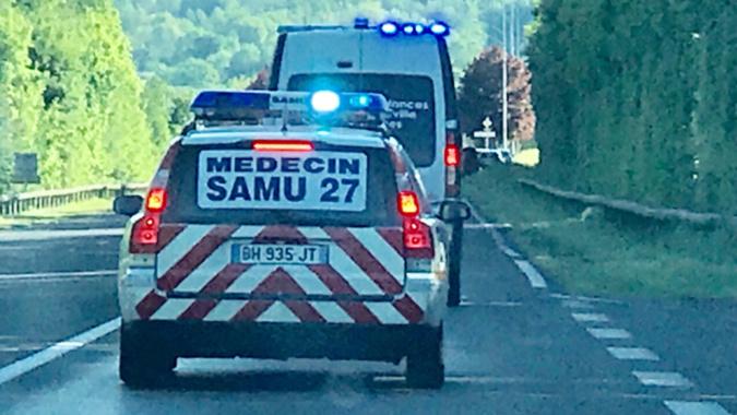 Eure : un motard hospitalisé en urgence absolue, victime d'un accident à Conches-en-Ouche