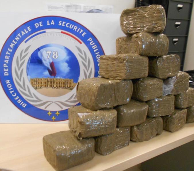 8,3 kg de résine de cannabis ont été saisi par la police - Photo © DDSP78