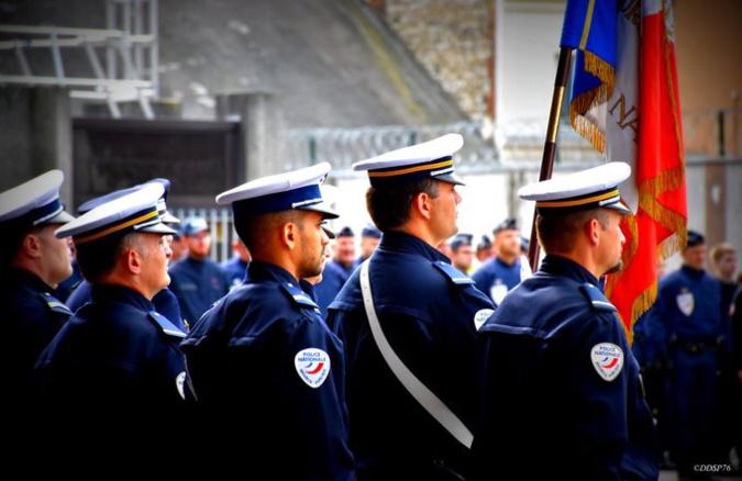 Les policiers ont rendu hommage à leurs collègues tués dans l'exercice de leurs fonctions - Photo @ DDSP76
