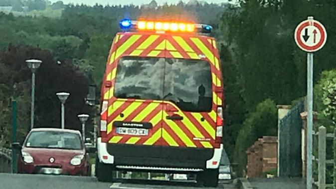 Le motard, légèrement blessé, a été conduit par les sapeurs-pompiers au CHU de Rouen - Illustration @ infonormandie