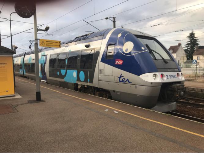 Deux impacts ont été relevés sur le pare-brise du train côté conducteur  - Illustration © infonormandie
