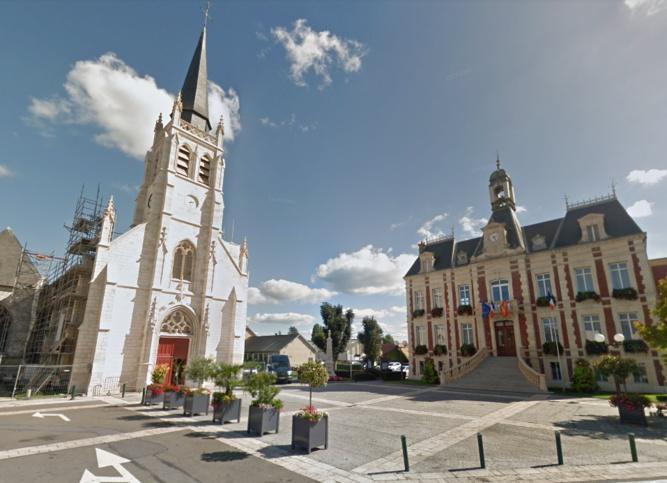 L'église Saint Lô est située près de la mairie de Bourg-Achard - illustration