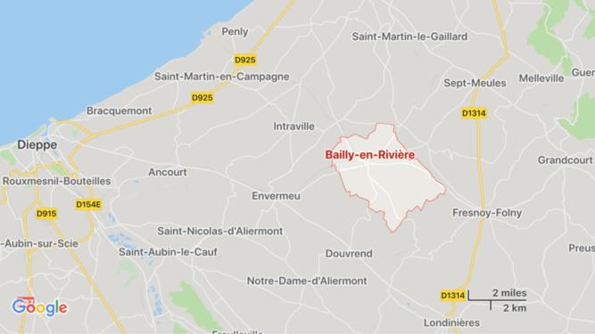 Seine-Maritime : la pilote d'une moto tuée dans une collision avec un car scolaire à Bailly-en-Rivière