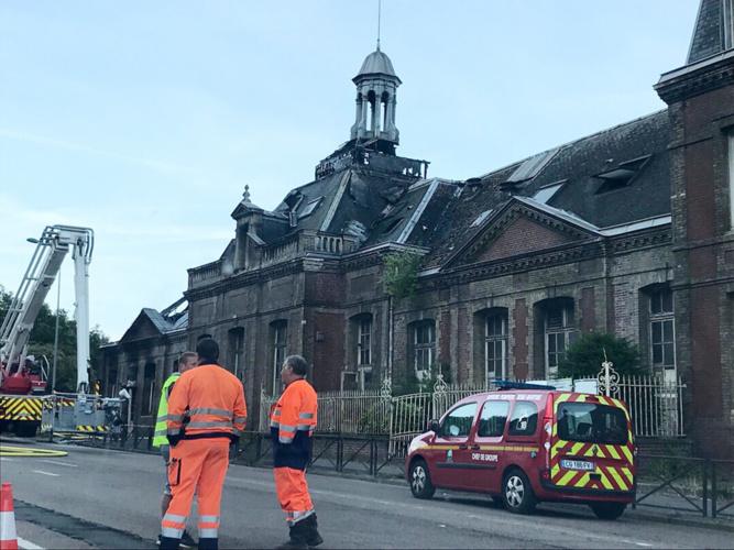 Rouen : l'ancien centre de formation d'apprentis (CFA) en partie détruit par un incendie