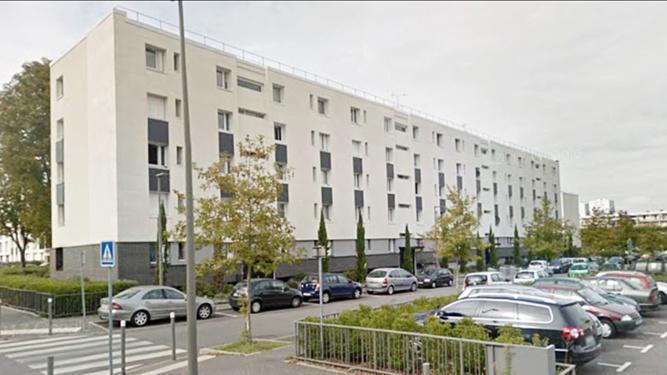 Le feu s'est déclaré dans un appartement du deuxième étage de cet immeuble au 8, rue Galilée - Illustration @ Google Maps