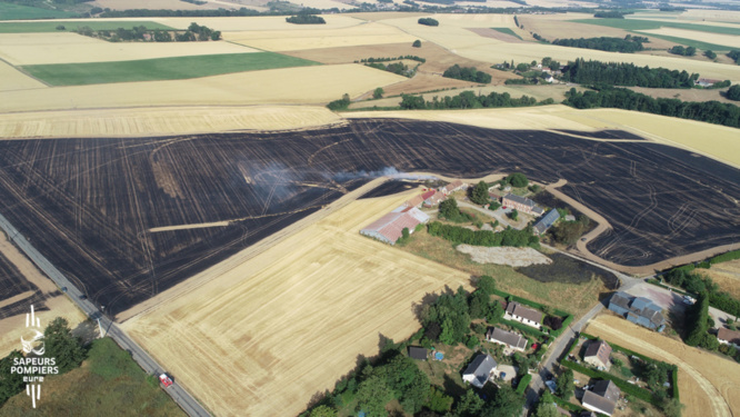 250 hectares de chaume ont été détruits à Mainneville - Photo réalisée par un drone des sapeurs-pompiers