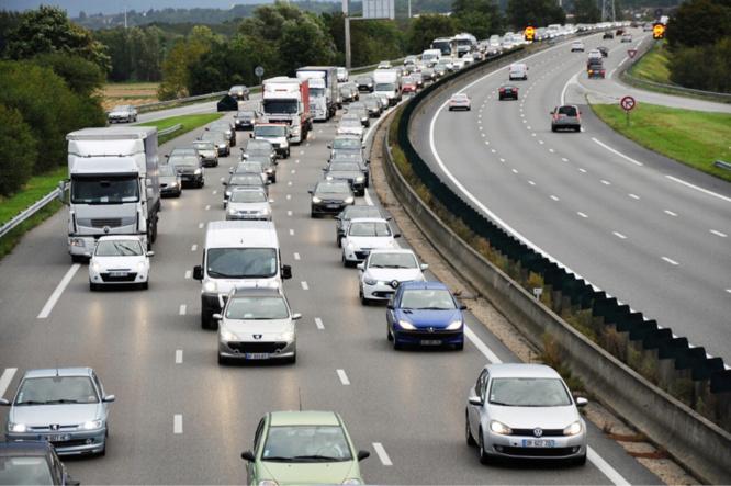 Le trafic est dense depuis vendredi sur l'autoroute A13 vers la Normandie - illustration @ Infonormandie