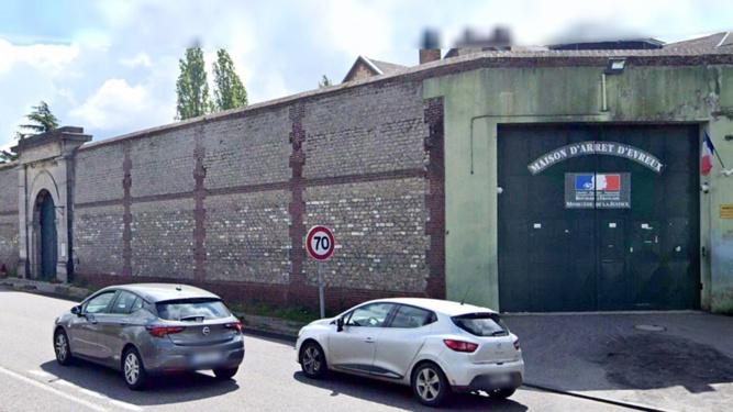 Les parachutages sont légion autour de la maison d'arrêt d'Évreux - illustration @ Google Maps