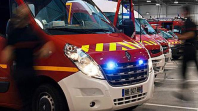 Les sapeurs-pompiers ont découvert le corps dans la caravane calcinée - illustration