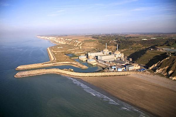 Les deux réacteurs sont désormais à l'arrêt : la centrale nucléaire de Penly ne produit plus d'électricité  - illustration © EDF
