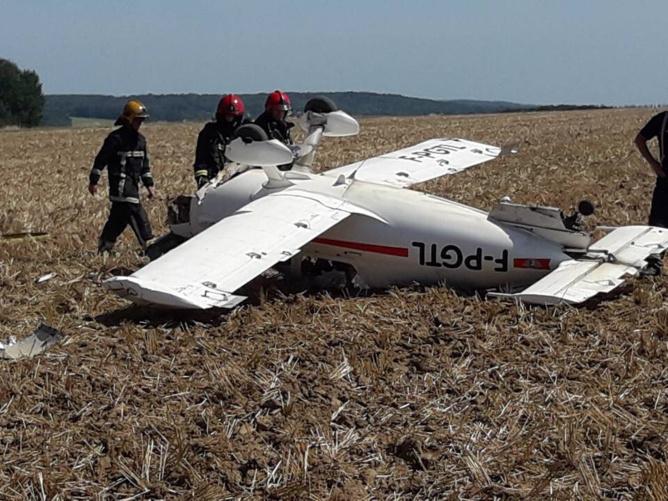 En touchant le sol, le monomoteur s'est retourné emprisonnant le pilote dans le cockpit - Photo @ DDSP78
