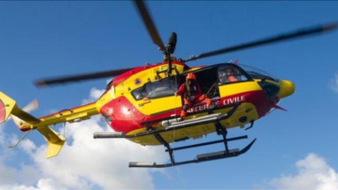 Le conducteur de la voiture a été transporté, polytraumatisé, par Dragon 76, vers l'hôpital Jacques-Monod - Illustration