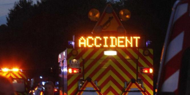 La route a été coupée afin de permettre aux secours d'intervenir en toute sécurité - Illustration