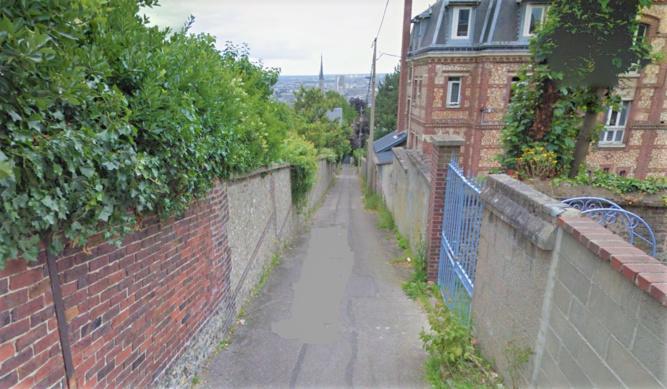 Les deux jeunes gens ont déclaré avoir été agressé alors qu'ils remontaient le sentier de la Côte Blanche pour rejoindre la route de Neufchâtel - Illustration © Google Maps