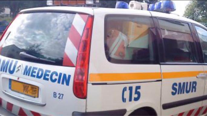 La jeune fille a reçu des soins par l'équipe du SAMU avant d'être transportée à l'hôpital Necker - Illustration