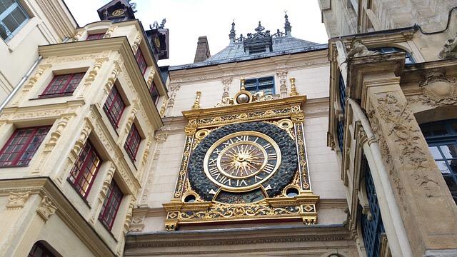 Le Gros Horloge à Rouen  photo @ Pixabay