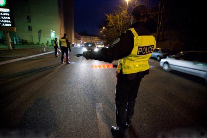 La conduite dangereuse de l'automobiliste a attiré l'attention des policiers - Illustration