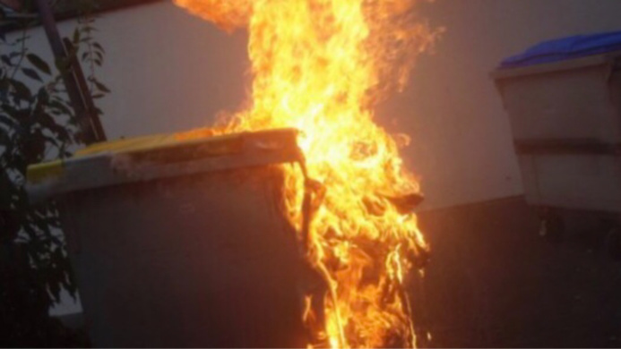 Deux conteneurs ont brûlé - Illustration