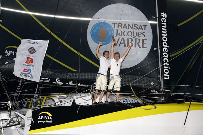 Les vainqueurs à leur arrivée cette nuit au Brésil - Crédit : JM.Liot – Alea / Disobey / Apivia