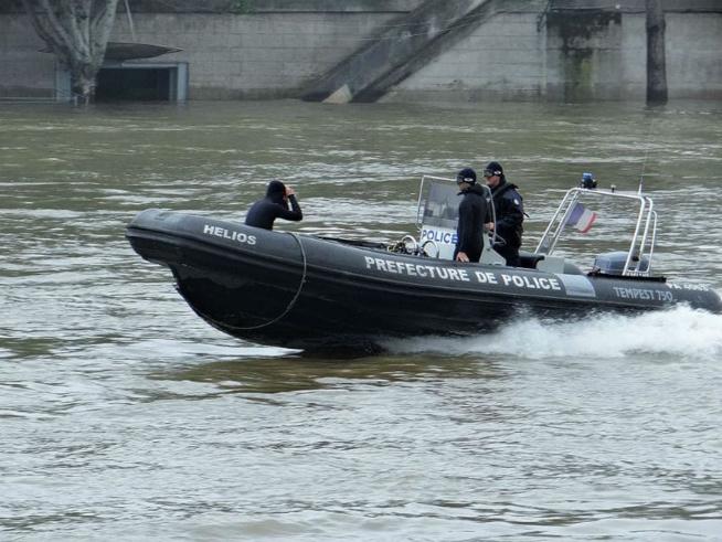 La brigade fluviale de Paris  - illustration @ Prefecture de police