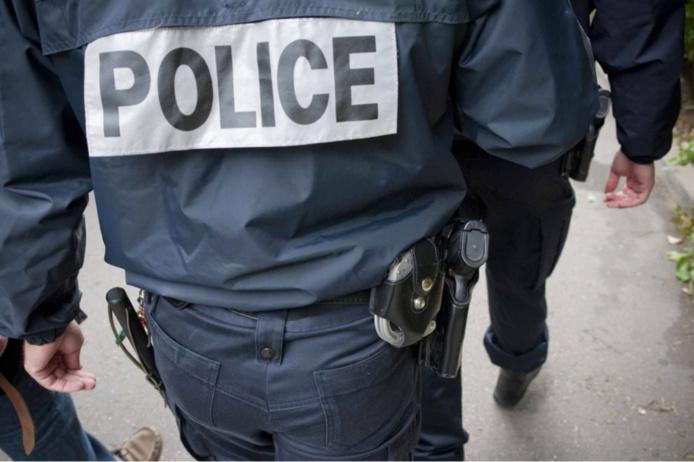 Le jeune homme a été placé en garde à vue pour transport prohibé d'armes - Illustration