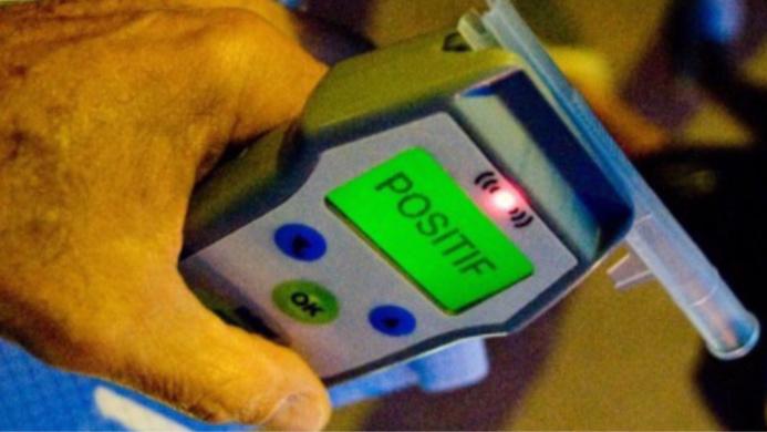 Le dépistage s'est révélé positif : le conducteur avait 2,64 g d'alcool par litre de sang - illustration