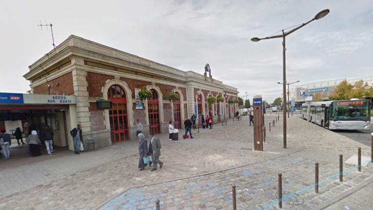 La place du 8 Mai 1945, près de la gare SNCF où l'agression de la jeune femme de 22 ans a eu lieu - Illustration