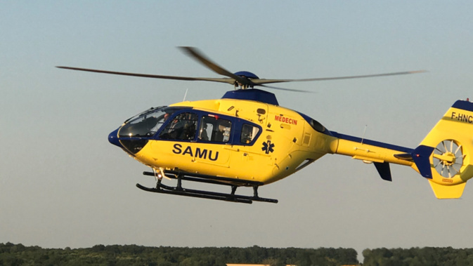 Le jeune homme a été transporté médicalisé par Viking76 vers les urgences du CHU de Rouen - Illustration @ InfoNormandie