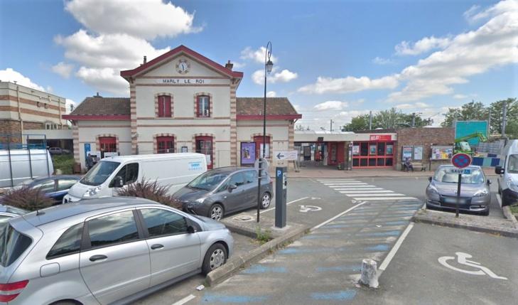 L'agression s'est déroulée à proximité de la place de la Gare à Marly-le-Roi - Illustration © Google Maps