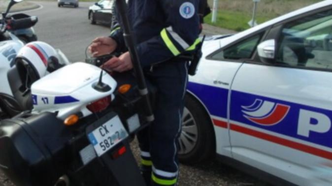 La voiture a l'origine d'un accrochage à Gravigny a été repérée et interceptée par les motards de la police - Illustration @ InfoNormandie