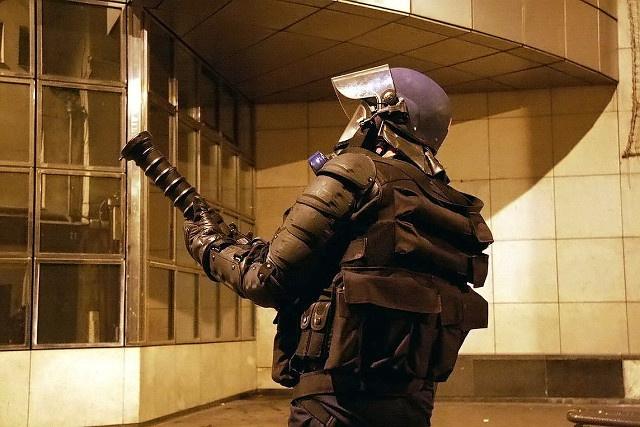 Les forces de l'ordre ont répliqué par des tirs de Cougar (Grenade lacrymogène) - illustration