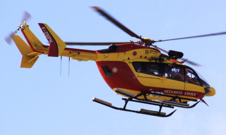 Grièvement blessé, le pilote de la moto a été évacué au plus à bord d'une hélicoptère vers un hôpital de la région - illustration