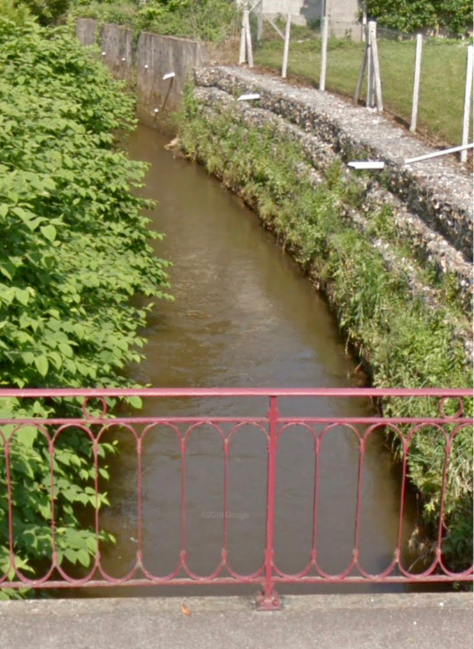 Des traces d'hydrocarbure ont été constatées sur le ruisseau l'Auchy, un affluent de l'Epte - illustration @ Google Maps
