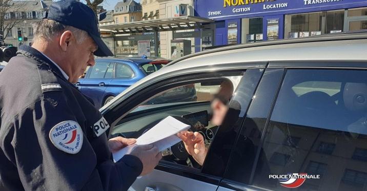 Seule l'attestation remplie par l'employeur suffit lors des contrôles de police ou de gendarmerie - Photo © DDSP76