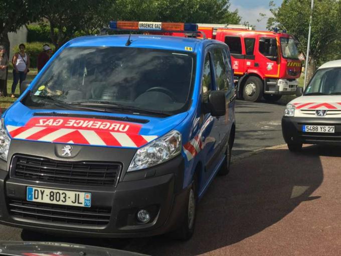 Les sapeurs-pompiers ont établi un périmètre de sécurité de 150 m - illustration © infoNormandie