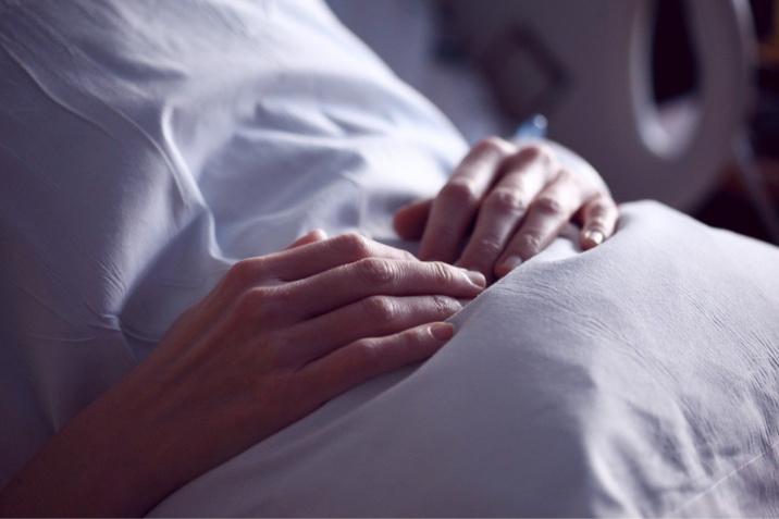 Le nombre de personnes atteintes du coronavirus et hospitalisées a encore diminué entre hier et aujourd'hui, mais il reste à un niveau élevé avec 553 patients  - Illustration @ Pixabay