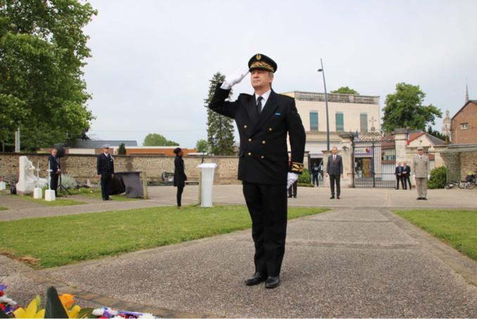 Guy Lefrand, maire d'Évreux et Jean-Marc Magda, secrétaire général de la préfecture (sur la photo) ont présidé la cérémonie dans la capitale de l'Eure