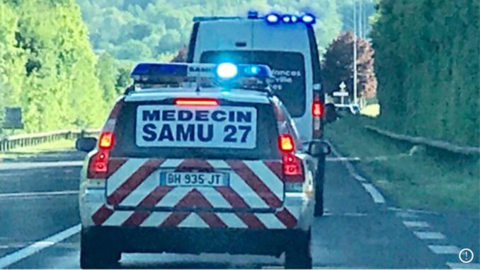 Le médecin urgentiste a déclaré le décès du jeune motard - Illustration @ infoNormandie