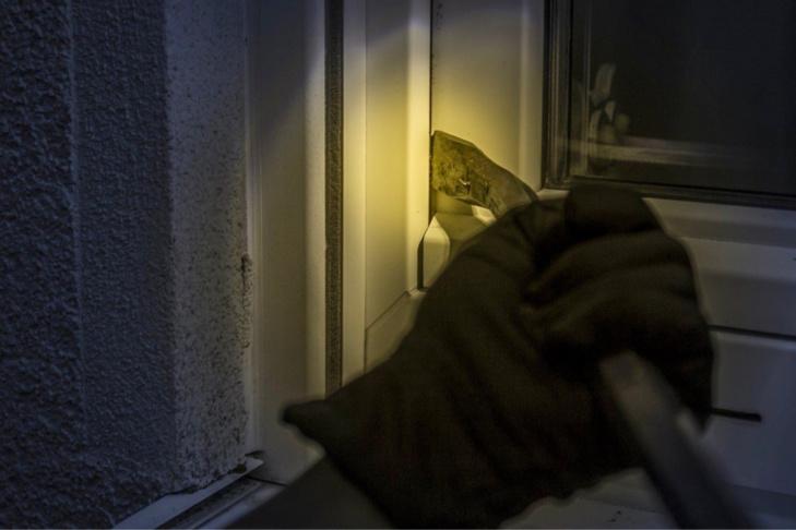 Yvelines : mis en fuite par leur victime, les cambrioleurs sont arrêtés en possession de bijoux