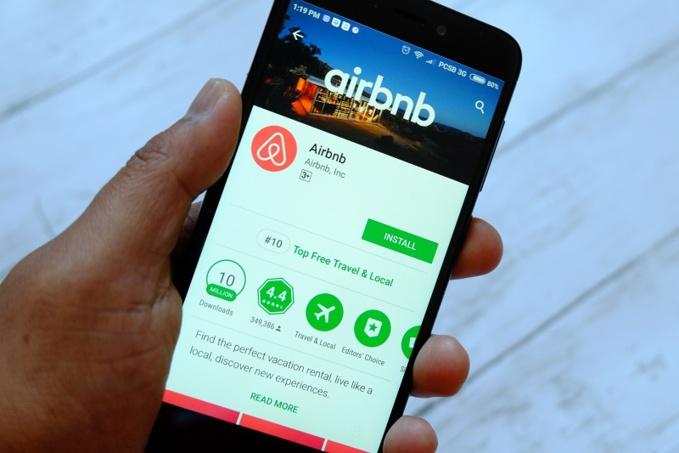 L'escroc louait des appartements sur le site Airbnb sous une fausse identité - Illustration © Adobe Stock