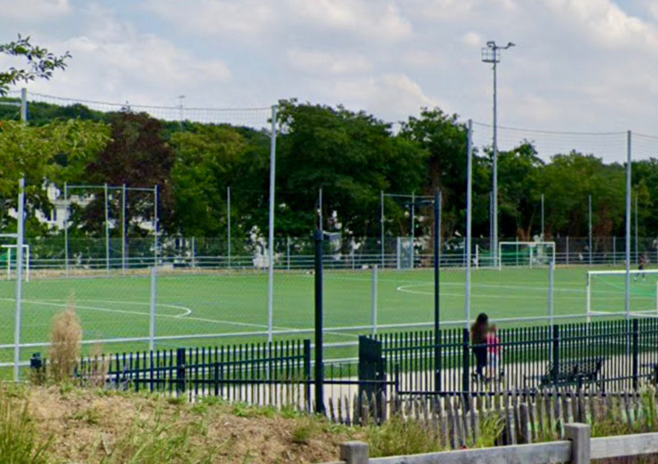Jeudi soir, un match a mal tourné sur le stade Jussieu : cinq jeunes ont été blessés lors des affrontements entre supporters - illustration