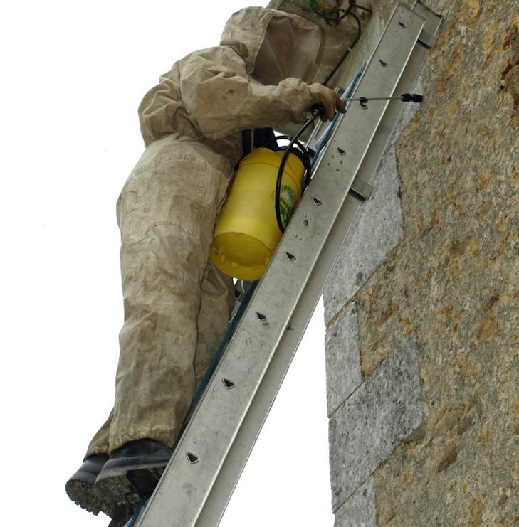 L'ouvrier a fait une chute de cinq mètres - Illustration © Pixabay