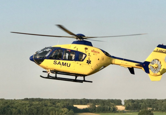 L'une des jeunes filles, grièvement blessée, a été évacuée par l'hélicoptère Viking du SAMU76 - Illustration © infoNormandie