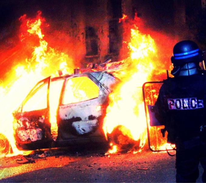 Les policiers du commissariat de Val-de-Reuil/Louviers privilégient la piste criminelle - Illustration © DDSP78