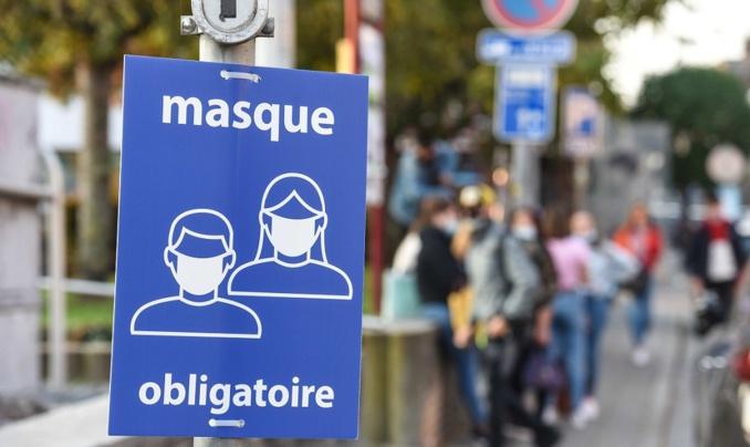 Le port du masque est désormais obligatoire partout dans treize villes du département de l'Eure - Illustration © Adobe Stock