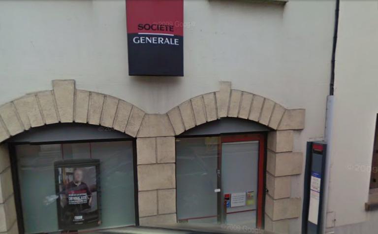 La Banque est située en centre-ville