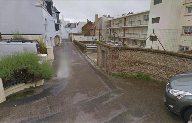 Le trentenaire a été découvert grièvement blessé dans sa voiture stationnée dans l'impasse Joseph--Morlent - Illustration © Google Maps